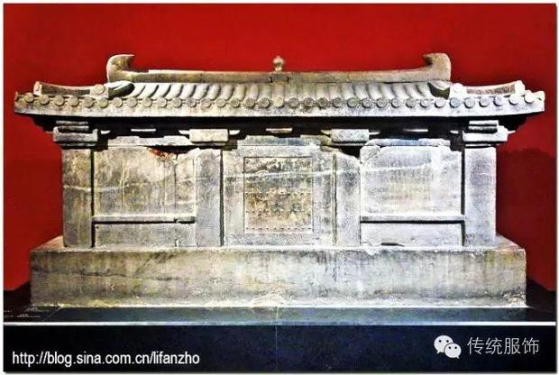 Khai quật mộ cổ nghìn năm của cháu gái Hoàng hậu Trung Hoa và câu chuyện bí ẩn đằng sau 4 chữ người mở sẽ chết trên nắp quan tài - Ảnh 3.