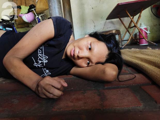 Xót cảnh người mẹ điên ú ớ nằm dưới đất nhìn con gái 15 ngày tuổi không biết mặt bố là ai vì bị hiếp dâm - Ảnh 8.
