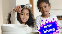 """Con đòi mua điện thoại mới, mẹ liền """"tuyển dụng"""" các bé làm việc nhà để giúp chúng hiểu giá trị của đồng tiền"""