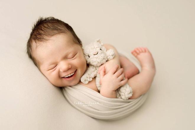 Bộ ảnh chứng minh lí do vì sao trẻ sơ sinh không nên có răng khiến ai xem cũng phải giật mình thon thót - Ảnh 2.