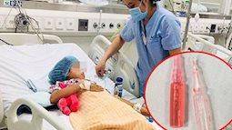 Tưởng thuốc diệt chuột là kẹo, 2 chị em chia nhau ăn và bị ngộ độc: Bác sĩ nhắc điều cần chú ý để tránh tai nạn cho trẻ