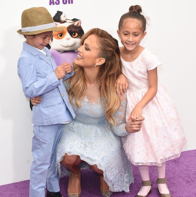 jennifer-lopez-with-daughter-emme-and-son-max-attend-the-news-photo-467255426-1550866425