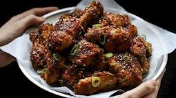Cả nhà tôi ai cũng mê món gà rim mặn ngọt kiểu Hàn, mỗi lần có món này là nồi cơm hết bay trong nháy mắt