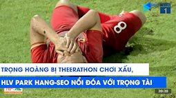 HLV Park Hang Seo nổi đóa khi cầu thủ Thái Lan phạm lỗi với học trò, nhưng nụ cười của người bên cạnh mới gây chú ý
