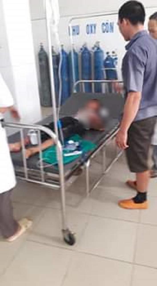 Bé trai bị chú họ dùng dao chém đứt lìa bàn tay: Mắt trái đã bị hỏng hoàn toàn - Ảnh 1.