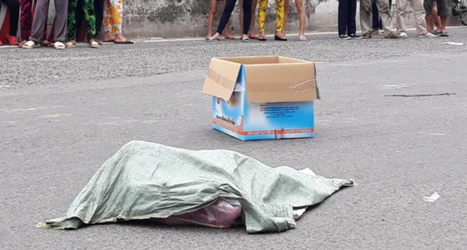 Lời khai của người phụ nữ đi xe máy đánh rơi bao tải chứa nhiều xác thai nhi xuống đường - Ảnh 3.