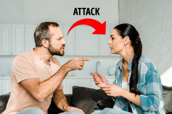 6 giai đoạn khó khăn mà cặp đôi nào cũng phải trải qua: Nếu vượt qua được, tình yêu của bạn sẽ hạnh phúc dài lâu - Ảnh 2.