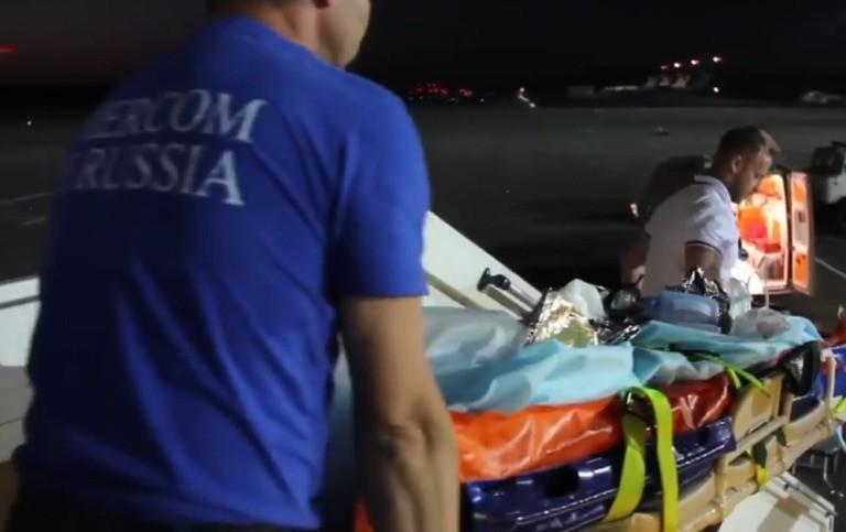 Thấy ông té vào lò sưởi, cháu trai 6 tuổi lao vào giải cứu đến mất mạng, được thân cận với Tổng thống Putin trao tặng huy chương dũng cảm - Ảnh 3.