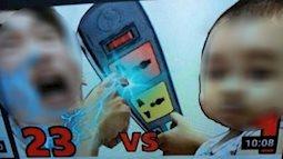 Xôn xao thông tin anh trai 6 tuổi đòi lấy ổ điện cho giật em bé 3 tuổi, nguyên nhân vì học theo kênh YouTube nổi tiếng?