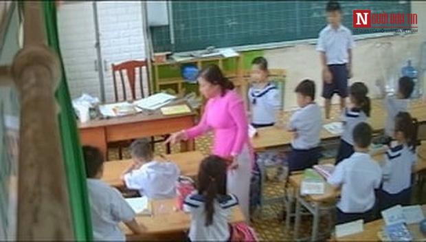 Phụ huynh TP.HCM bí mật gắn camera trong lớp học, ghi lại bằng chứng cô giáo đánh và véo tai liên tục hàng loạt học sinh - Ảnh 3.