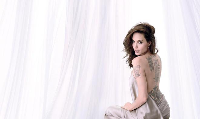 Phát sốt vì nhan sắc lột xác của Angelina Jolie gần đây: Cuối cùng nữ hoàng nhan sắc một thời đã trở lại! - Ảnh 2.