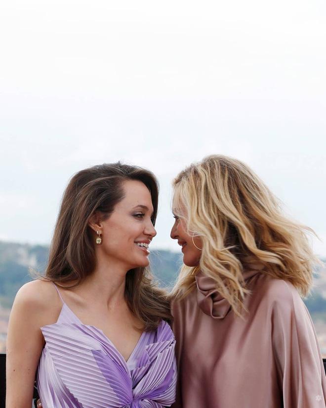 Phát sốt vì nhan sắc lột xác của Angelina Jolie gần đây: Cuối cùng nữ hoàng nhan sắc một thời đã trở lại! - Ảnh 12.