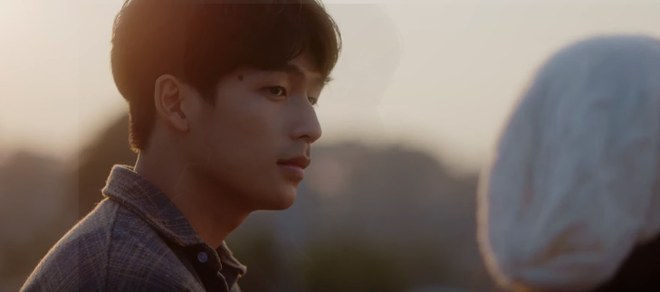 Trạng Quỳnh Quốc Anh đẹp vô thực, siêu tình bên Khả Ngân trong teaser nên thơ Bí Mật Của Gió - Ảnh 4.