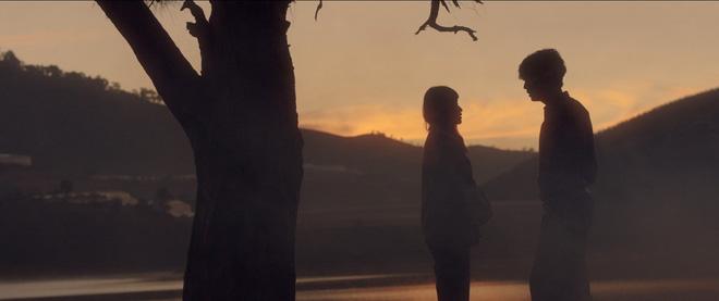 Trạng Quỳnh Quốc Anh đẹp vô thực, siêu tình bên Khả Ngân trong teaser nên thơ Bí Mật Của Gió - Ảnh 10.
