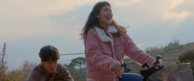 Trạng Quỳnh Quốc Anh đẹp vô thực, siêu tình bên Khả Ngân trong teaser nên thơ Bí Mật Của Gió - Ảnh 2.