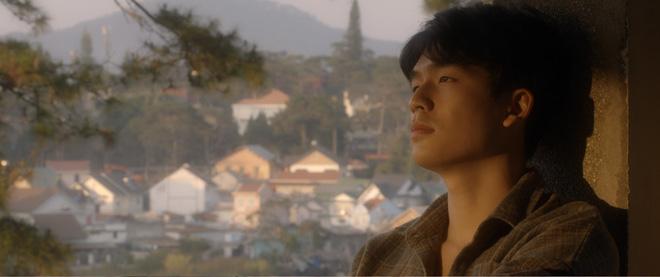 Trạng Quỳnh Quốc Anh đẹp vô thực, siêu tình bên Khả Ngân trong teaser nên thơ Bí Mật Của Gió - Ảnh 7.