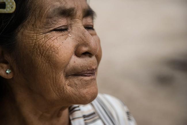 Cháu gái 12 tuổi mua thuốc sâu lừa bà nội uống để… chết cùng và câu chuyện nhói lòng đằng sau - Ảnh 1.