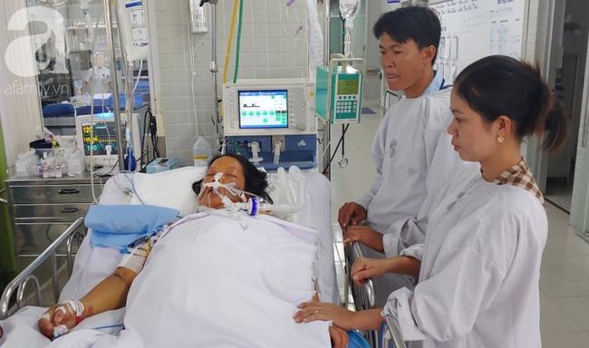 Thai phụ sắp sinh thì nguy kịch, người chồng đau đớn thì thầm với vợ đang hôn mê: