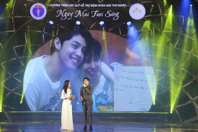 Xúc động trước hình ảnh Noo Phước Thịnh rưng rưng nước mắt nghẹn ngào trên sân khấu, chia sẻ về fan nữ vừa qua đời vì ung thư - Ảnh 3.