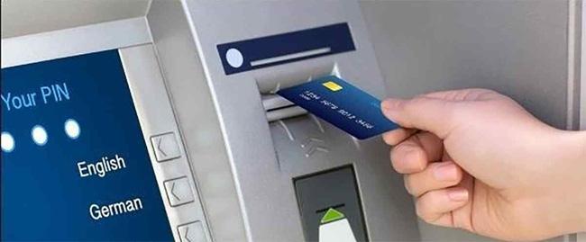 Cảnh báo: Các thủ đoạn lừa đảo cực tinh vi hòng chiếm dụng tiền trong ATM và thẻ tín dụng khiến bao người mất tiền oan - Ảnh 2.