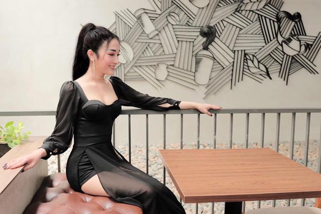 Cô gái Sài Thành tung ảnh quá khứ trước khi PTTM, đương đầu với mọi ánh mắt kỳ thị, tò mò - Ảnh 1.