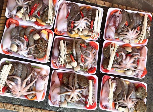 Gió mùa về cũng chưa làm bạn rùng mình bằng những set nhân lẩu hải sản giá rẻ như cho đang tràn ngập trên thị trường - Ảnh 2.