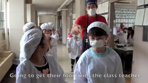 Tận mắt chứng kiến giờ ăn trưa của trẻ em Nhật để thấy các bé đã học được gì từ 45 phút ăn trưa mỗi ngày - Ảnh 6.