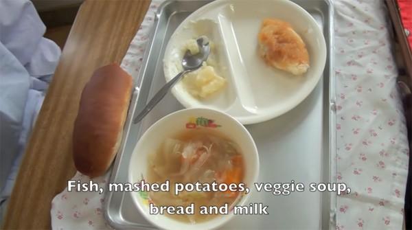 Tận mắt chứng kiến giờ ăn trưa của trẻ em Nhật để thấy các bé đã học được gì từ 45 phút ăn trưa mỗi ngày - Ảnh 12.