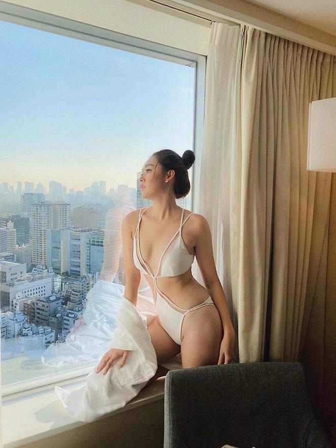 Miss International tổ chức kín vòng thi bikini, Á hậu Tường San liền tung loạt ảnh khoe body sexy đã mắt - Ảnh 2.