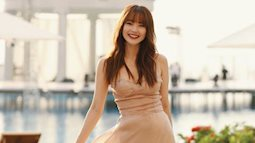 Trang phục của Minh Hằng đi đám cưới Đông Nhi: Tưởng gợi cảm nhưng lại khổ sở quá, phải chỉnh váy liên tục để không hớ hênh