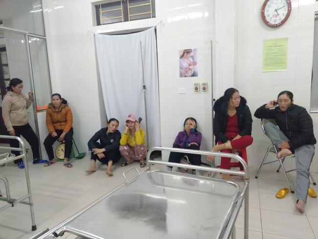 Nghệ An: Sản phụ nguy kich, thai nhi tử vong bất thường, người nhà vây bệnh viện yêu cầu làm rõ nguyên nhân - Ảnh 5.