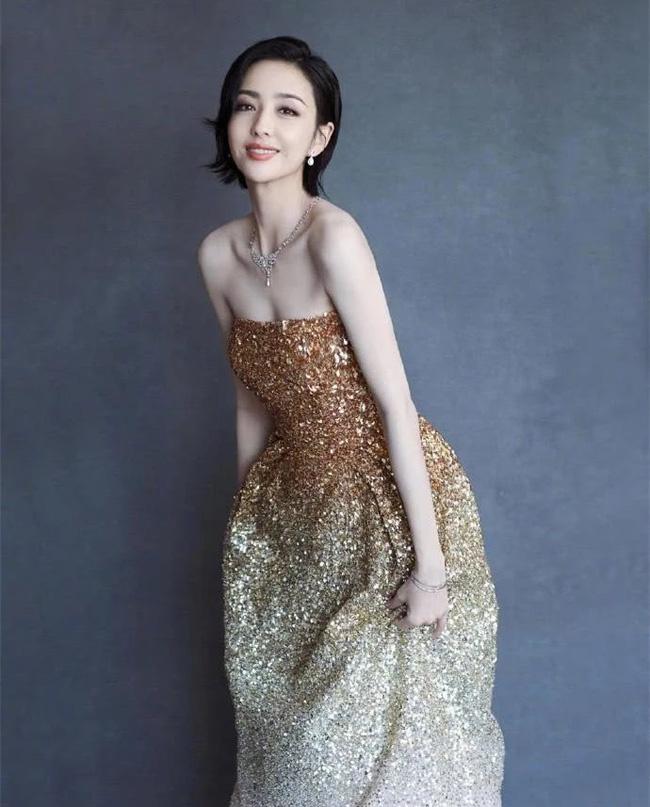 Dàn sao khủng tham dự khai mạc LHP Bách hoa Kim Kê 2019: Lâm Tâm Như xinh đẹp trẻ trung không thua kém các đàn em, mỹ nam