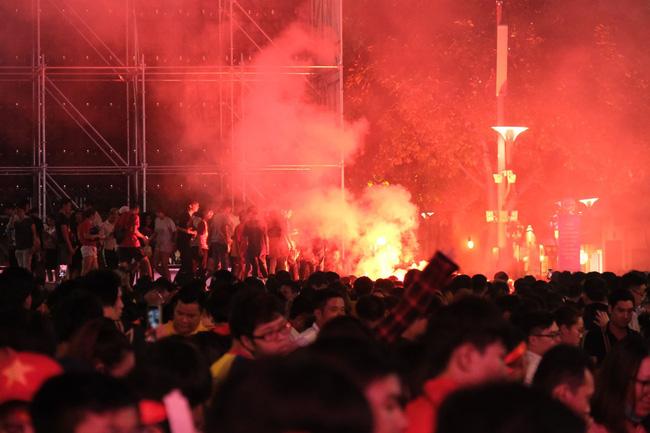 Hết giờ, Việt Nam - Thái Lan 0 - 0, trận đấu cuối cùng của