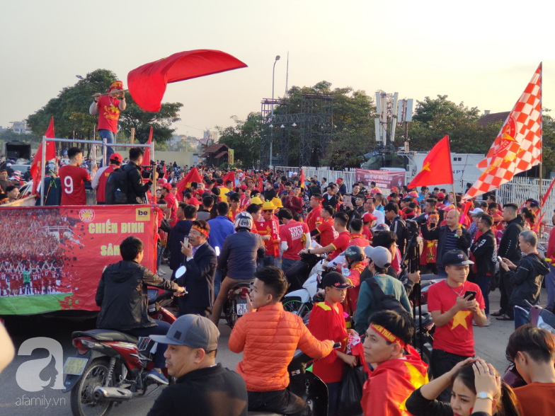 Trận thư hùng Việt Nam - Thái Lan: Đại chiến của khu vực Đông Nam Á, phố phường Hà Nội