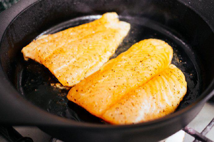 Chiên cá theo cách dưới đây đảm bảo cá thơm ngon tuyệt đối không còn mùi tanh - Ảnh 3.