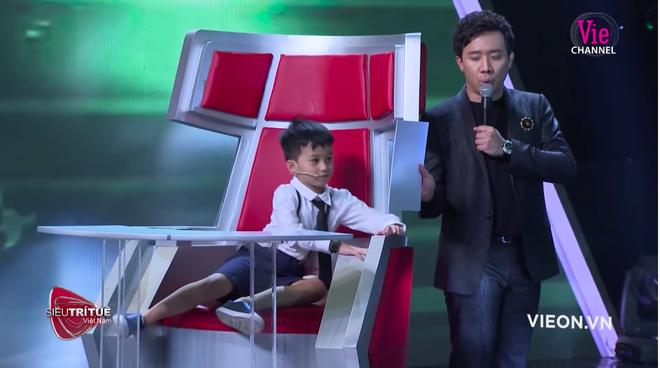 Siêu trí tuệ Việt Nam: Thần đồng 7 tuổi và nước mắt của người bố ước con như bao đứa trẻ bình thường - Ảnh 3.