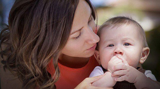 Các mẹ sẽ bất ngờ khi biết giọng nói của mình có thể định hình bộ não đang phát triển của bé  - Ảnh 3.