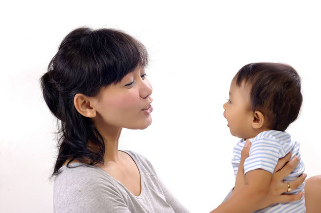 Các mẹ sẽ bất ngờ khi biết giọng nói của mình có thể định hình bộ não đang phát triển của bé  - Ảnh 6.