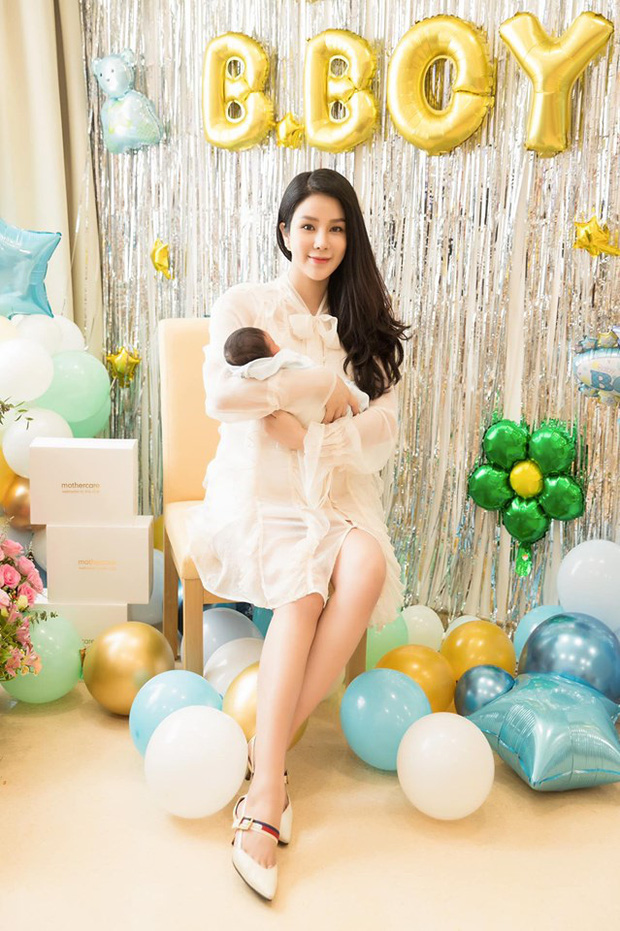 Tròn 1 tháng sau sinh, Diệp Lâm Anh diện váy ôm sát vòng eo gọn đến ngỡ ngàng - Ảnh 3.