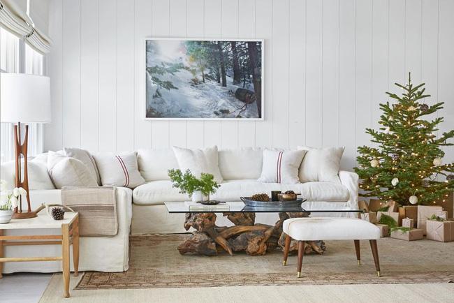 Những cách tạo không khí vui vẻ cùng nét nổi bật độc đáo cho phòng khách nhà bạn dịp Giáng sinh - Ảnh 1.