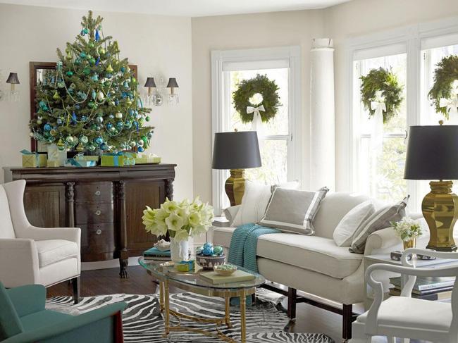 Những cách tạo không khí vui vẻ cùng nét nổi bật độc đáo cho phòng khách nhà bạn dịp Giáng sinh - Ảnh 3.