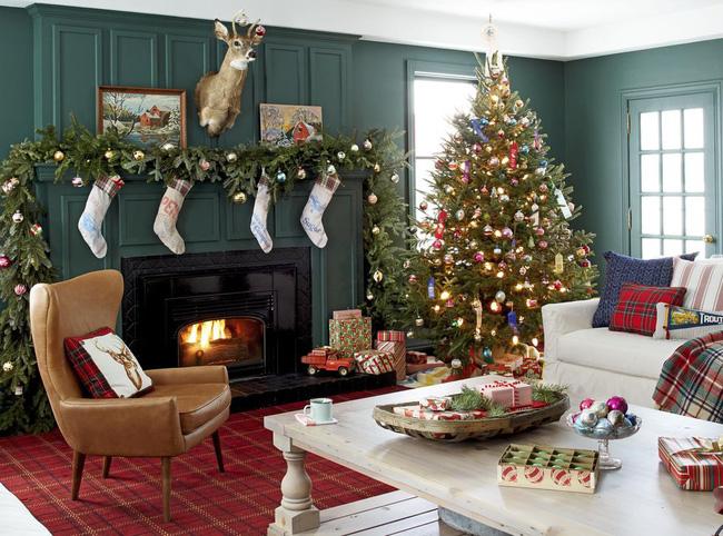Những cách tạo không khí vui vẻ cùng nét nổi bật độc đáo cho phòng khách nhà bạn dịp Giáng sinh - Ảnh 10.