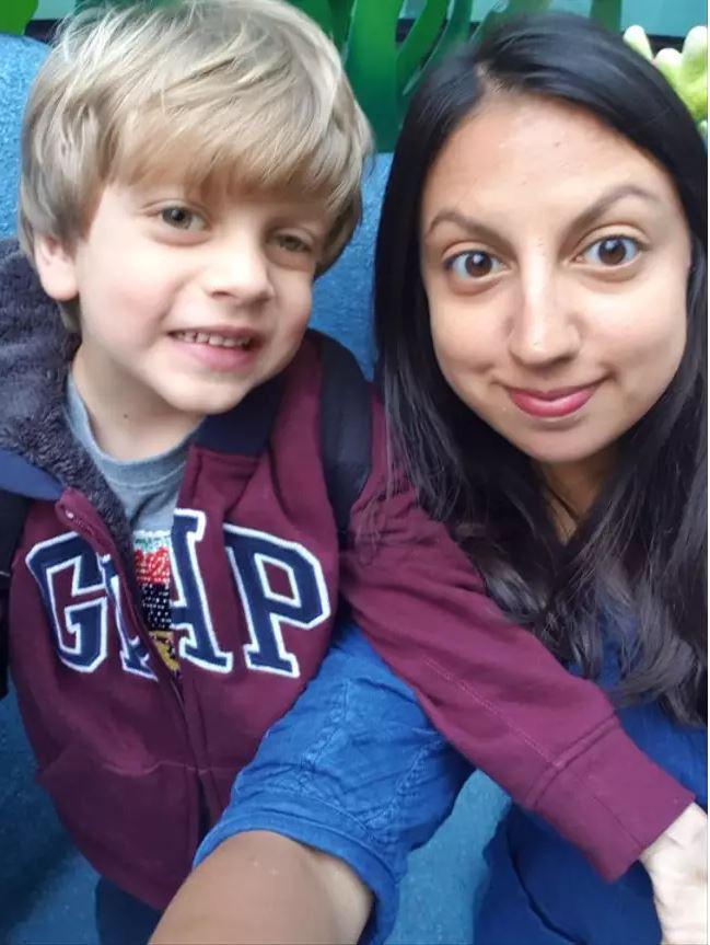 Nhờ dấu hiệu lạ trong tấm ảnh chụp con trai, cha mẹ đau đớn khi biết điều khủng khiếp sắp xảy đến với bé - Ảnh 3.