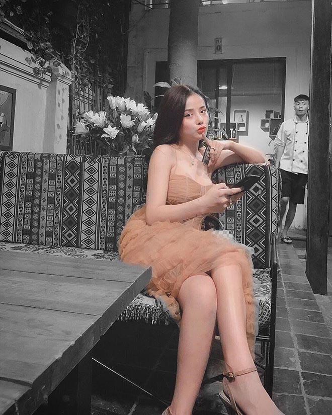Hình ảnh nóng bỏng của nữ ca sĩ đã khiến thủ môn Lâm Tây yêu say đắm - Ảnh 11.