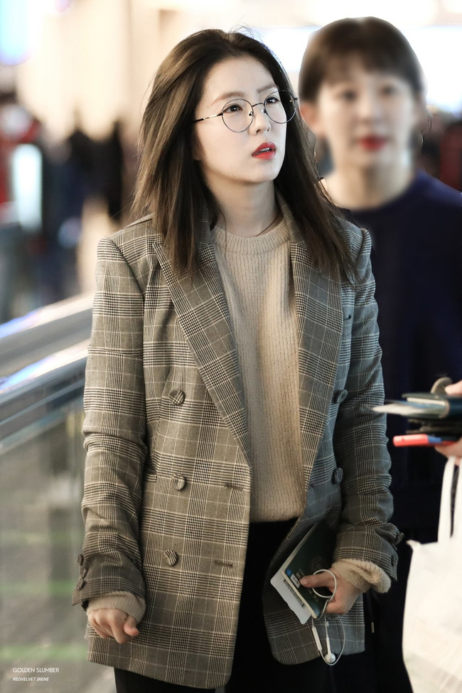 Mấy nàng Red Velvet diện blazer theo 11 cách cực trẻ và chất, bạn không tham khảo thì Tết này thiệt mất mấy phần sành điệu - Ảnh 2.