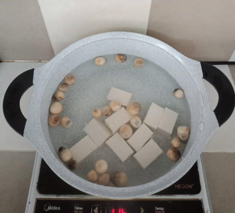 Rằm tháng Chạp tôi nấu bữa cơm chay giản dị ăn tối, chưa đầy 30 phút đã xong cả 2 món! - Ảnh 8.