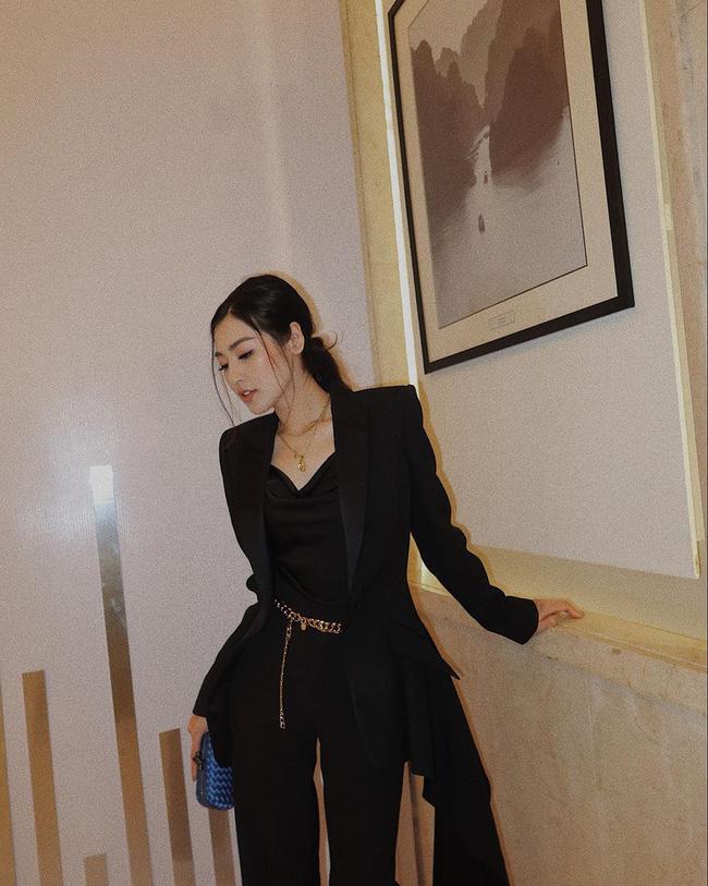 Style của Á hậu Tú Anh thời gian qua chính là kim chỉ nam giúp chị em mặc đẹp và siêu cấp sang xịn từ giờ đến Tết  - Ảnh 9.