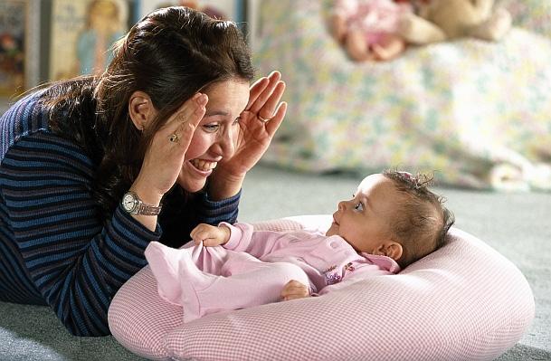 Cứ kêu con khó tính, hay khóc nhưng trẻ sơ sinh có biểu hiện này chứng tỏ em bé rất thông minh - Ảnh 1.