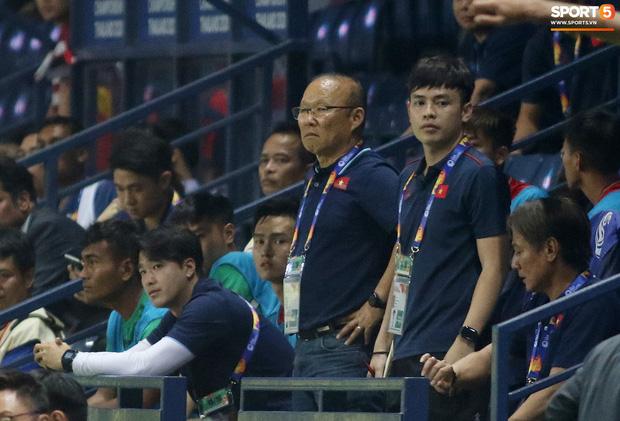 HLV Park Hang-seo chăm sóc từng học trò sau trận đấu kiệt sức với U23 Jordan - Ảnh 3.
