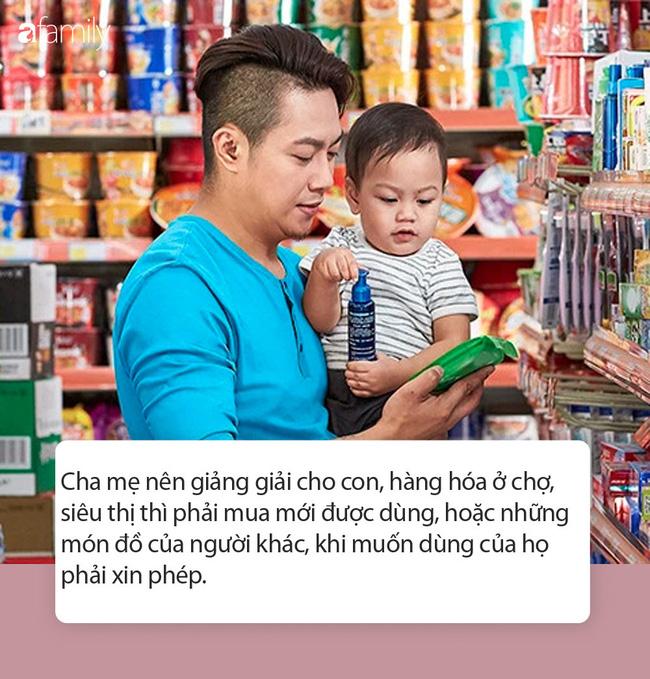 Đứa bé 5 tuổi lấy 1 chai nước trong siêu thị, thản nhiên uống, mẹ bé nói câu này khiến nhân viên siêu thị phải xin lỗi - Ảnh 4.